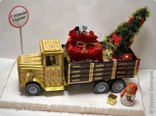 Автобус из конфет фото
