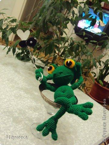 """Здравствуйте друзья! Продолжая серию композиций на тему о том, что жизнь хороша, представляю Вам этого довольного жизнью лягушонка. Автор идеи и описания Александра Захарова (Меджик). Она назвала ее """"Жизнь прекрасна!"""" фото 2"""