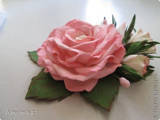 Здравствуйте, дорогие жители СМ. Сегодня я расскажу как крашу свои цветочки. Нам понадобятся: - готовые лепестки (см. МК часть l). - акриловая краска (подходит не всякая, см. информацию ниже); - губка; - салфетка. фото 12