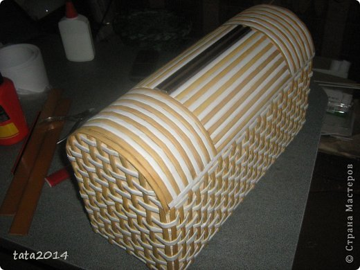 Мастер-класс Поделка изделие Моделирование конструирование Плетение Мастер класс сундучка Бумага газетная Картон фото 1
