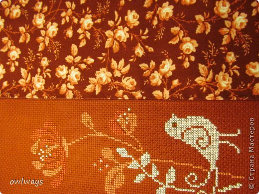 """Этот пост посвящен изготовлению мягкой обложки для книги. Свою первую обложечку я вам уже показывала: http://stranamasterov.ru/node/488389 Это вторая :) Процесс шитья такой же. В Стране я видела разные МК по изготовлению мягких обложек, НО - эта съемная и может путешествовать с одной книги на другую :) Тут придется сшивать детали, но я, так как не являюсь владельцем швейной машинки, делала все на руках и, как видите, все вполне получается :) А еще это отличный вариант """"пристроить"""" какую-нибудь вышивку - эта птичка у меня почти год ждала своего часа :) фото 10"""