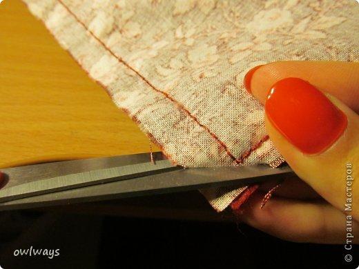 """Этот пост посвящен изготовлению мягкой обложки для книги. Свою первую обложечку я вам уже показывала: http://stranamasterov.ru/node/488389 Это вторая :) Процесс шитья такой же. В Стране я видела разные МК по изготовлению мягких обложек, НО - эта съемная и может путешествовать с одной книги на другую :) Тут придется сшивать детали, но я, так как не являюсь владельцем швейной машинки, делала все на руках и, как видите, все вполне получается :) А еще это отличный вариант """"пристроить"""" какую-нибудь вышивку - эта птичка у меня почти год ждала своего часа :) фото 19"""