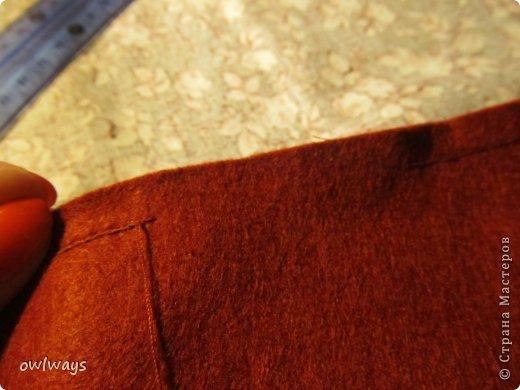 """Этот пост посвящен изготовлению мягкой обложки для книги. Свою первую обложечку я вам уже показывала: http://stranamasterov.ru/node/488389 Это вторая :) Процесс шитья такой же. В Стране я видела разные МК по изготовлению мягких обложек, НО - эта съемная и может путешествовать с одной книги на другую :) Тут придется сшивать детали, но я, так как не являюсь владельцем швейной машинки, делала все на руках и, как видите, все вполне получается :) А еще это отличный вариант """"пристроить"""" какую-нибудь вышивку - эта птичка у меня почти год ждала своего часа :) фото 18"""
