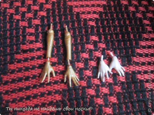 """Совсем недавно, в 2013 году появились новые куклы-Ever After High """" Школа """"Долго и Счастливо"""" """" Производитель у них один-"""" Mattel """" И сейчас мы их сравним. Первое, что я заметила- ЕАХ тяжелее МХ. фото 7"""