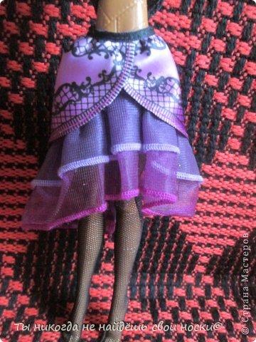 """Совсем недавно, в 2013 году появились новые куклы-Ever After High """" Школа """"Долго и Счастливо"""" """" Производитель у них один-"""" Mattel """" И сейчас мы их сравним. Первое, что я заметила- ЕАХ тяжелее МХ. фото 11"""