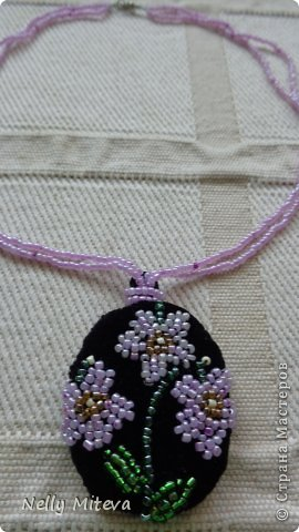 Цветы из бисера на бархате фото 2