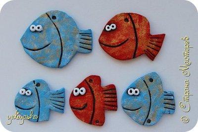 Вот так Рыбка-панно будет выглядеть с собранном виде, учительница со своими  учениками , на День учителя в школу, спасибо за идею Ирине и её рыбке папе...       https://stranamasterov.ru/node/201498 фото 3