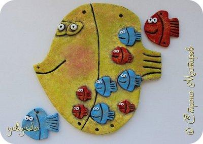Вот так Рыбка-панно будет выглядеть с собранном виде, учительница со своими  учениками , на День учителя в школу, спасибо за идею Ирине и её рыбке папе...       https://stranamasterov.ru/node/201498 фото 4