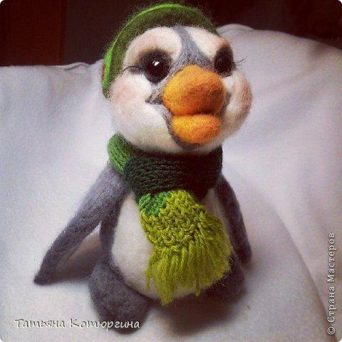 Пингвина зовут Грин Битс. Он любит музыку. фото 1