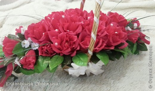 """И вот мой первый букет!!! Сделала для свекрови на юбилей, она у нас садовод-любитель, каких цветов у нее только нет, поэтому решила сделать цветочный букет с ее любимым """"Осенним вальсом"""". Не забудьте, это мой первый букет, поэтому не судите строго. большое спасибо: - Endy https://stranamasterov.ru/node/406889?c=popular_inf_1707 - Svetik629 https://stranamasterov.ru/node/628433?c=popular_inf_1707    фото 3"""
