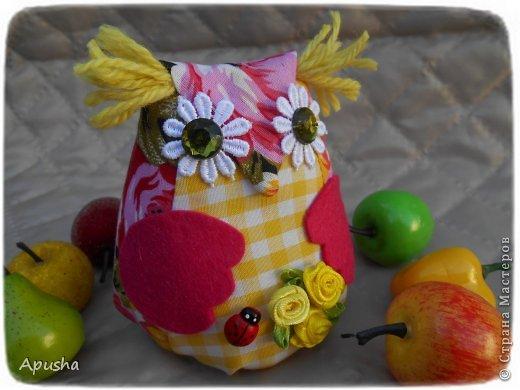 Здравствуйте! Вместе с мамой сделали шкатулку изобилия. Мама сшила сову (я делала уроки в это время), потом помогла её украсить. фото 7