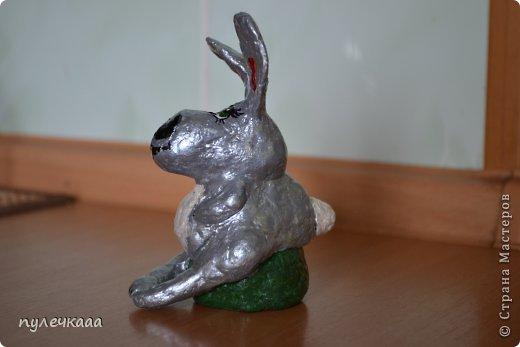покрыла зайца лаком для ногтей.получился очень ярким. фото 3
