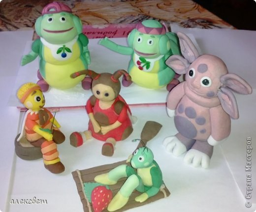 Здраствуйте. Вот такой торт Нина  сама приготовила   для своей доченьки Насте на 2 годика. фото 24