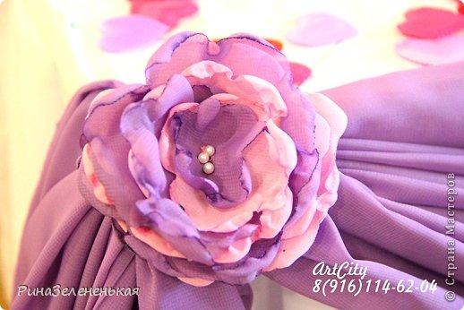 После череды сердец на свадьбу мы наконец-то встретились с молодоженами, которые захотели что-то интересненькое!  Такие бабочки украшали каждый бокал гостей и бантики на ширме  фото 3