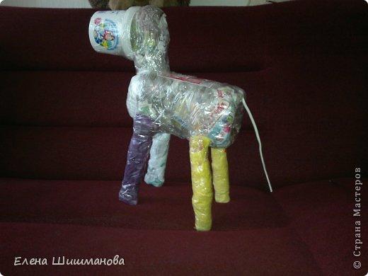 Такой слоник из монтажной пены украсит и площадку в детском саду, и будет радовать вас на даче фото 3