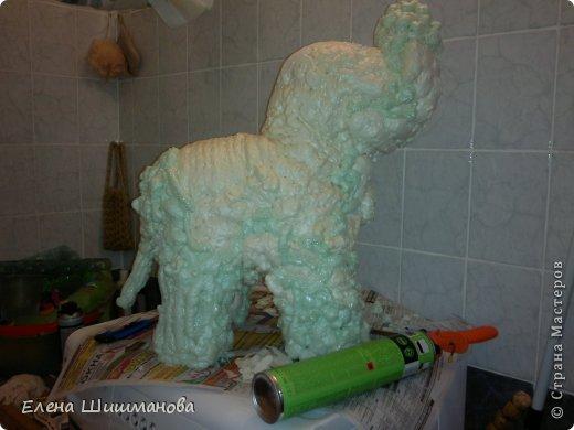 Такой слоник из монтажной пены украсит и площадку в детском саду, и будет радовать вас на даче фото 4
