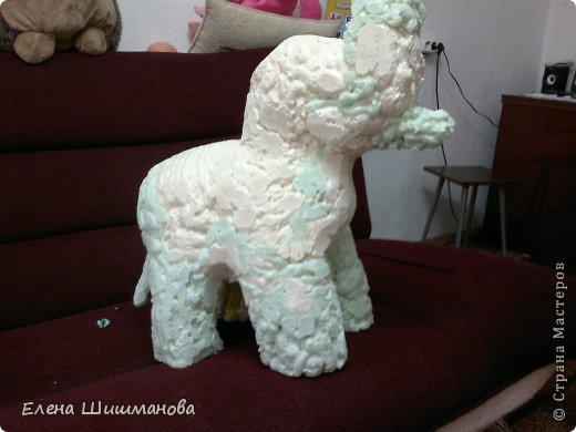 Такой слоник из монтажной пены украсит и площадку в детском саду, и будет радовать вас на даче фото 6