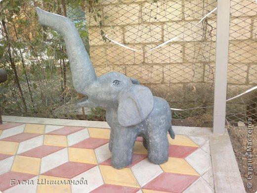 Такой слоник из монтажной пены украсит и площадку в детском саду, и будет радовать вас на даче фото 1