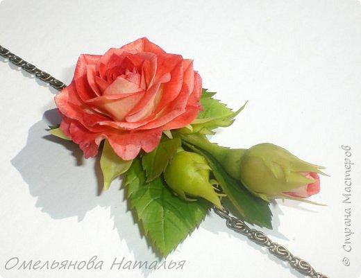 Браслетик с розой, можно переделать в подвеску фото 2