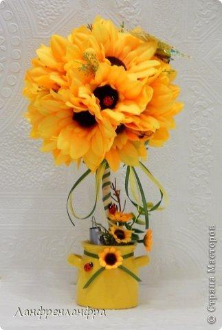 Яркий топиарий с готовыми розами из фоама и брошами, высота 25см.  фото 4