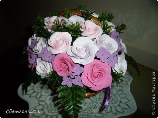 Все цветы сделаны из глины ДЕКО и добавлена искусственная зелень. фото 1