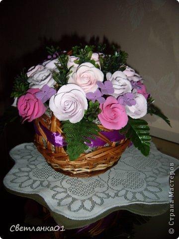 Все цветы сделаны из глины ДЕКО и добавлена искусственная зелень. фото 3
