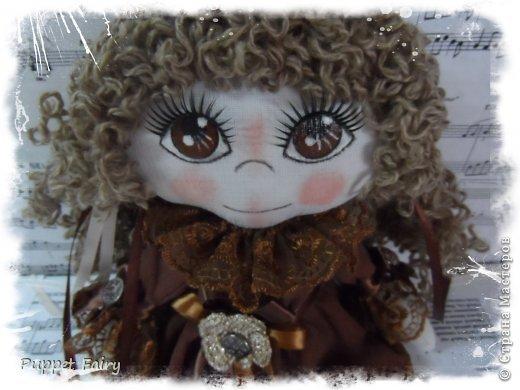 Привет всем!!! У меня новая куклёнишна... Начала шить КоФеюшку, а она сказала, что хочет быть Шоколадкой и все тут!!! Вот такая вот девочка.... фото 1