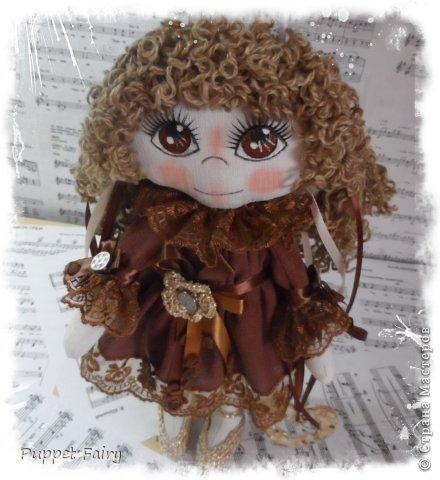 Привет всем!!! У меня новая куклёнишна... Начала шить КоФеюшку, а она сказала, что хочет быть Шоколадкой и все тут!!! Вот такая вот девочка.... фото 2