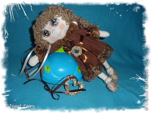 Привет всем!!! У меня новая куклёнишна... Начала шить КоФеюшку, а она сказала, что хочет быть Шоколадкой и все тут!!! Вот такая вот девочка.... фото 7