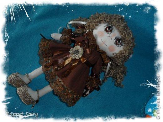 Привет всем!!! У меня новая куклёнишна... Начала шить КоФеюшку, а она сказала, что хочет быть Шоколадкой и все тут!!! Вот такая вот девочка.... фото 9