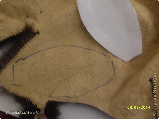 Доброго времени суток, жители Страны. Недавно я показывала шарфик с меховыми помпонами, а сегодня хочу показать,как я их делала.Может кому-нибудь пригодится.... фото 4