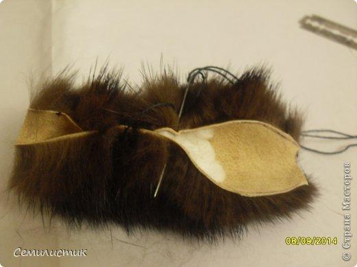 Доброго времени суток, жители Страны. Недавно я показывала шарфик с меховыми помпонами, а сегодня хочу показать,как я их делала.Может кому-нибудь пригодится.... фото 8
