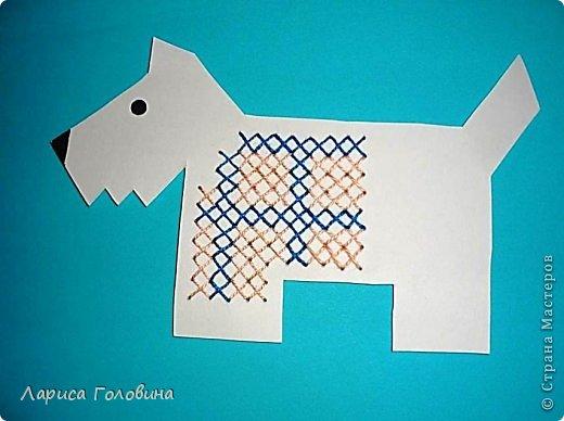 Начался учебный год, занятия. С второклассниками попробовали вышивать крестиком на картоне. По-моему, освоили неплохо, во всяком случае, делали с удовольствием . Первая работа моя для образца, остальное детские работы. Идеи и шаблоны с сайта http://baby-journal.eu/2014/01/shablony-dlya-vyshivaniya-krestikom/  фото 1