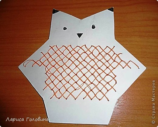Начался учебный год, занятия. С второклассниками попробовали вышивать крестиком на картоне. По-моему, освоили неплохо, во всяком случае, делали с удовольствием . Первая работа моя для образца, остальное детские работы. Идеи и шаблоны с сайта http://baby-journal.eu/2014/01/shablony-dlya-vyshivaniya-krestikom/  фото 5