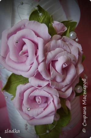 здравствйте. Поступил очередной заказ на свадебную бутылочку и бокалы. Розы из фоамирана. фото 2