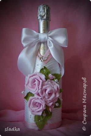 здравствйте. Поступил очередной заказ на свадебную бутылочку и бокалы. Розы из фоамирана. фото 4