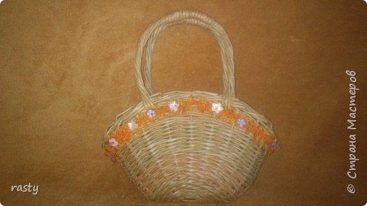 В этой статье я покажу новые работы и несколько старых в разных техниках.   Плетеная сумочка а-ля fannas (https://stranamasterov.ru/node/766529) сплетена в подарок маленькой девочке : фото 5