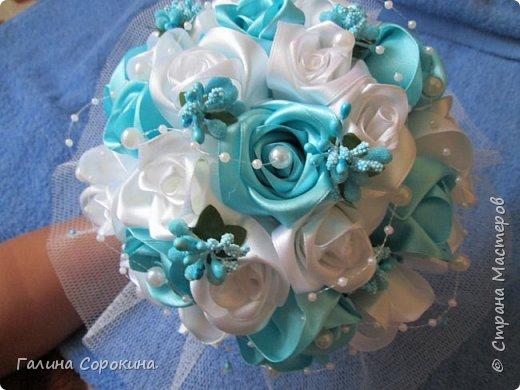 Свадебные букеты а так же для любого торжества,для любимых и родных,выполнены из розочек ручной работы,собраны по лепестку... фото 10