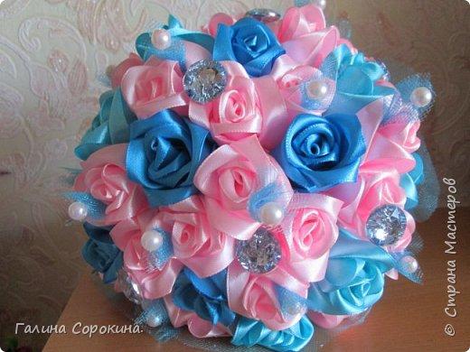 Свадебные букеты а так же для любого торжества,для любимых и родных,выполнены из розочек ручной работы,собраны по лепестку... фото 8