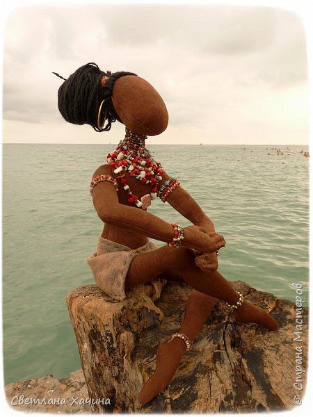 Вот, дозрела ягодка! Готова наша Афро-девица. Вообще-то планировался парень, но получилось, как всегда... кукла сама решила кем ей быть и весь свой облик. Знакомьтесь.  фото 1