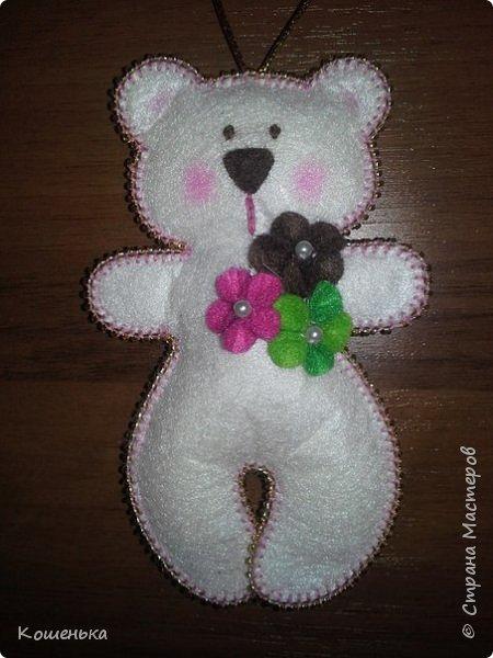 Добрый вечер, дорогие мастерицы! Предлагаю Вашему вниманию обещанный мастер-класс по изготовлению медвежонка из фетра. фото 23
