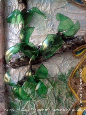 Картина панно рисунок Аппликация Ассамбляж Моделирование конструирование Шитьё Павлин-джутовая филигрань и   Бумага Бутылки пластиковые Клей Краска Материал бросовый Проволока Ткань Шпагат фото 4