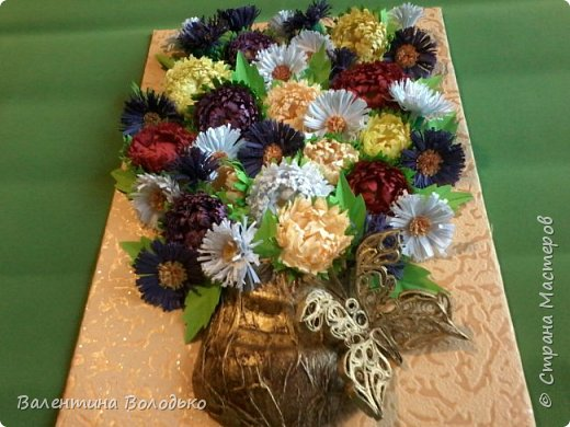 Здравствуйте мастера и мастерицы Страны Мастеров.Сделала  букет астр к дню рождения доченьки. она у меня по гороскопу Дева и цветы -астры. фото 1