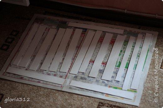 """Румбокс (roombox: room-комната, box- коробка).   Материалы: -Макетный картон -Скрап-бумага -Белый акрил -Лак-олифа для дерева, """"красное дерево"""" -Ткань (полупрозрачный шифон) -Шпажка для барбекю -Клей ПВА -Скотч широкий -Канцелярский ножик -Ножницы фото 3"""