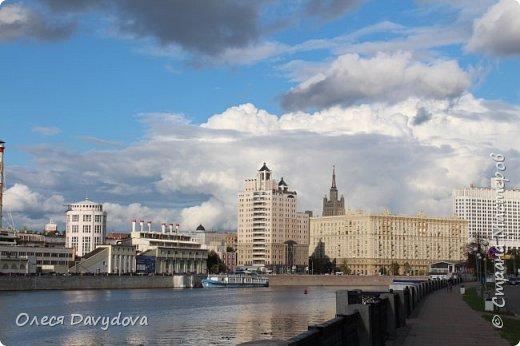 Всем привет! Очень соскучилась. Переместилась в блог, здесь стала редким гостем, но место все равно любимое, которое не забываю. У меня новости, переехала в Москву, полюбила этот город и хочу показать кусочки красоты в фотографиях. На первом фото Патриарший, тот самый, Булгаковский. фото 8