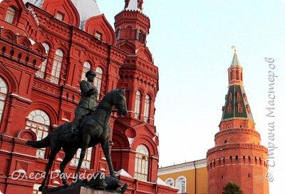 Всем привет! Очень соскучилась. Переместилась в блог, здесь стала редким гостем, но место все равно любимое, которое не забываю. У меня новости, переехала в Москву, полюбила этот город и хочу показать кусочки красоты в фотографиях. На первом фото Патриарший, тот самый, Булгаковский. фото 6