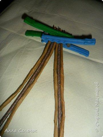 Мастер-класс Поделка изделие Плетение Косичка из 8 трубочек Бумага газетная Трубочки бумажные фото 7