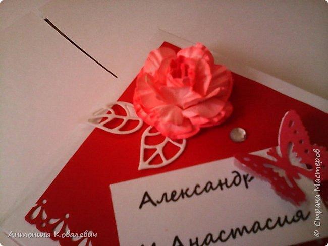Вот такая вот коробочка. Любимый цвет невесты красный, поэтому и сама коробочка красная. Думала сегодня уже не выложу, но успела. Это моя первая шкатулочка) Фото очень много!!! фото 5