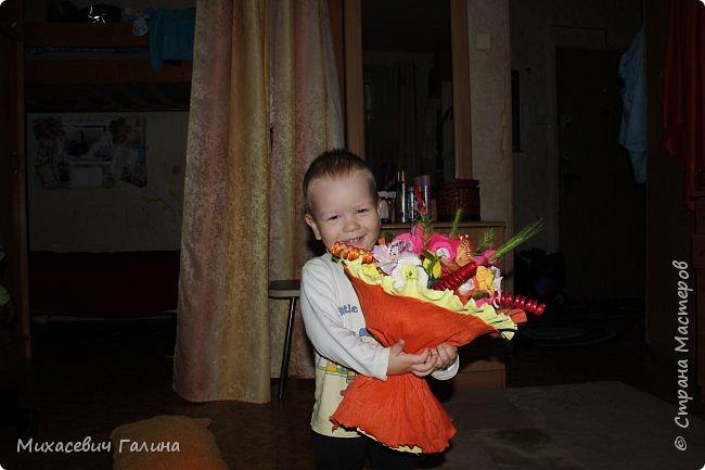 Сегодня у меня две работы! букет для сына на первое сентября,а композиция для очень хорошего человечка у которого я покупаю свои любимые цветы и добавки для моих творений фото 10