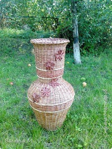 Добрый день мастера и мастерицы.Хочу показать вам свои очередные работы.Это корзинка для лука,подарила маме.трубочки красила самодельной морилкой дуб. фото 8
